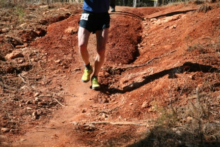 downhill-trail-running-man