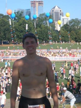 peachtree-road-race-finish-shirtless