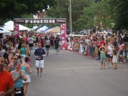 finishline-of-5k-running-race