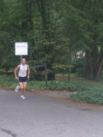 runner-running-by-himself