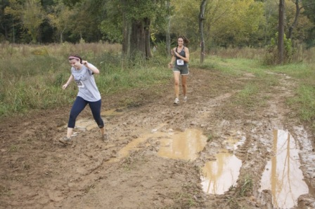 trail-running-in-mud